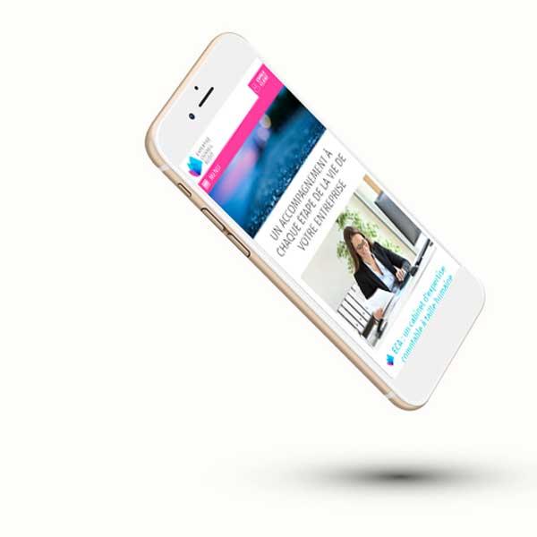 Mockup d'un site web vitrine sur smartphone